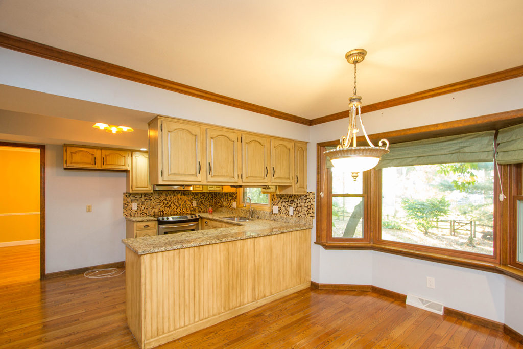 6943 leicester Rd., Toledo